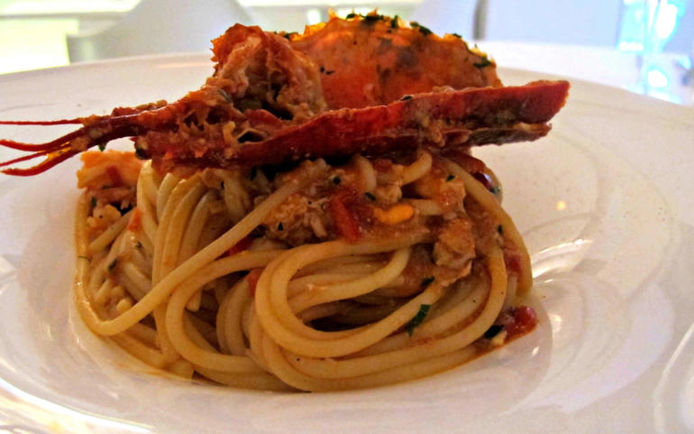 Linguine from Gragnano with Mediterranean lobster